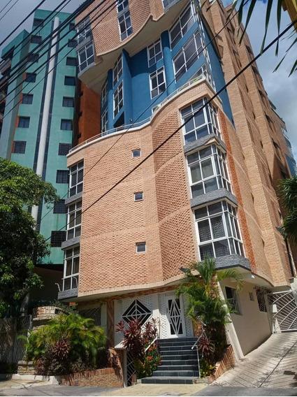 Apartamento En Venta En La Soledad - 04143988564