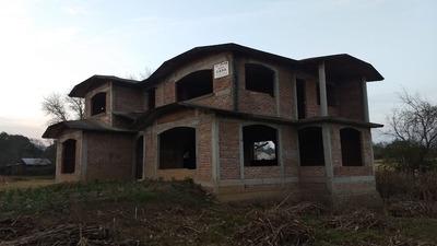 Casa Con 5 Habitaciones Y 3 Baños