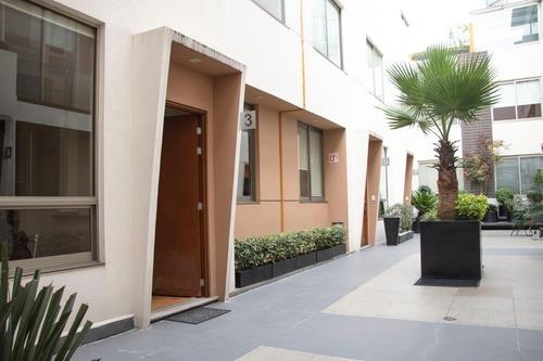 Casa De 3 Niveles, 233 M2, En La Del Valle Con Terraza Y Roof Garden Privado