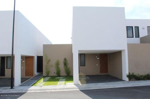 Casa En Renta En Zibata, El Marques, Rah-mx-20-2122