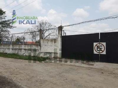 Renta Terreno 13,000 Con Oficinas Bodega Col. Tepeyac Poza Rica Veracruz. Cuenta Con 4 Oficinas, Área De Recepción, Cocina, Laboratorio, 2 Baños, Amplia Bodega, 2 Rampas De Carga Y Descarga, Cuarto D