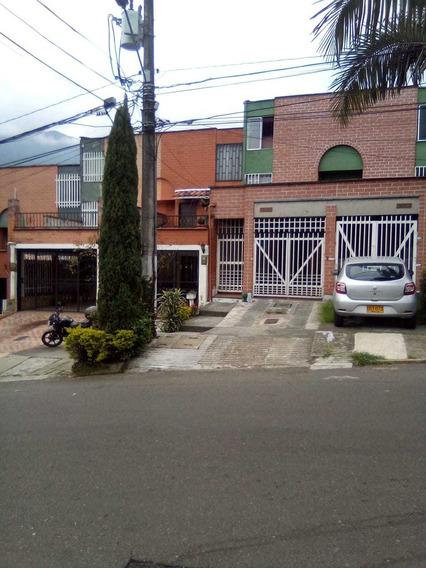 Casa De Tres Niveles Municipio De La Estrella
