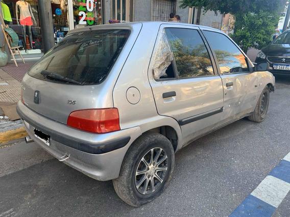 Peugeot Chocado 106 Xr Gnc Full Chocado Andando