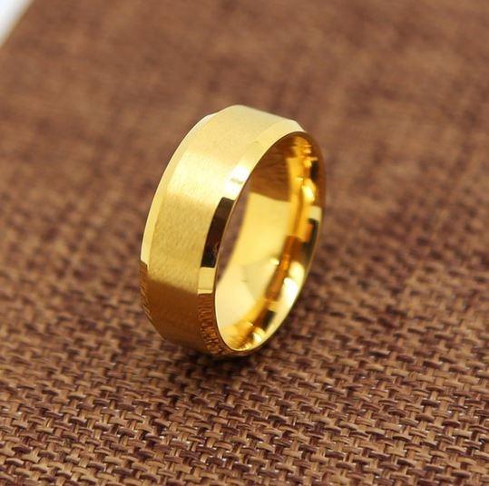 Anel Banhado Á Ouro 18k Aliança Dourado 8mm Noivado Aço Inox