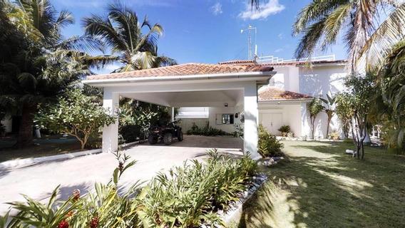 Villa En Venta Frente Al Mar En Las Salinas