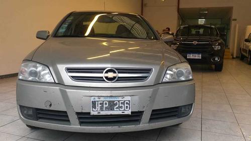 Chevrolet Astra Gls 2.0 2010 Con Gnc