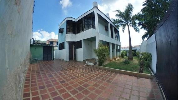 Casa En Venta, Urb. Prebo, #20-229 Ajc