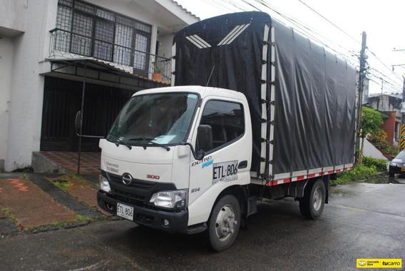 Camión Estacas - Hino Dutro Pro 300