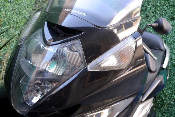 Maxiscooter Honda Silverwing. 600cc Emplacada