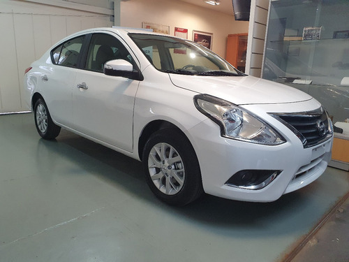 Nissan V-drive  1.6  At  Plus