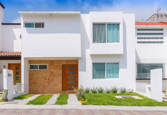 Se Renta Hermosa Casa En Centro Sur, Equipada Y Amueblada, De Lujo, Ubicadisima
