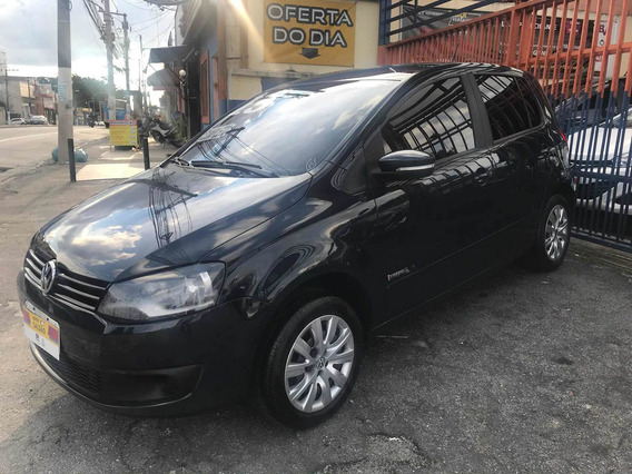Volkswagen Fox 1.0 Tec Total Flex 5p 2013