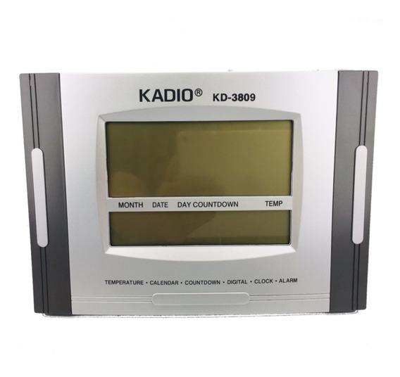 Reloj De Escritorio Digital Con Fechador 28 Cm X 19 Cm Kadio