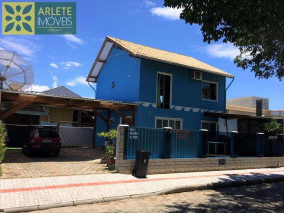 Casa No Bairro Bombas Em Bombinhas Sc - 480