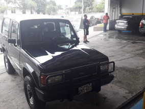 Chevrolet Trooper 4x4 2300cc