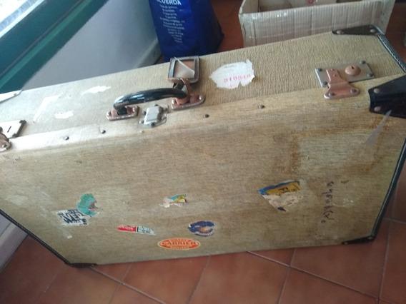 Valija Antigua Con Broches Funcionando Vintage Decoracion
