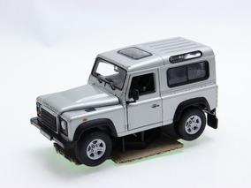 *defeito Land Rover Defender 1:24 Welly Prata