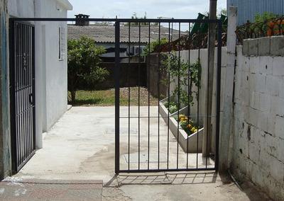 Casa Entrada Lateral, Muy Segura, Impecable. Acepta Mascotas