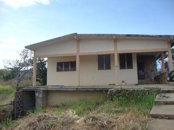 Casa En Venta Barquisimeto Centro 20-10273 Rbw