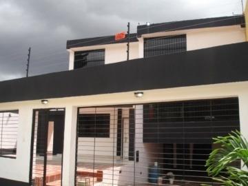 Casa En Venta En Trigal Norte, Valencia, Carabobo, 19-60014