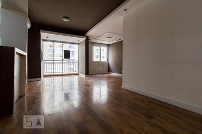 Apartamento No 7º Andar Com 2 Dormitórios E 1 Garagem - Id: 892866668 - 166668