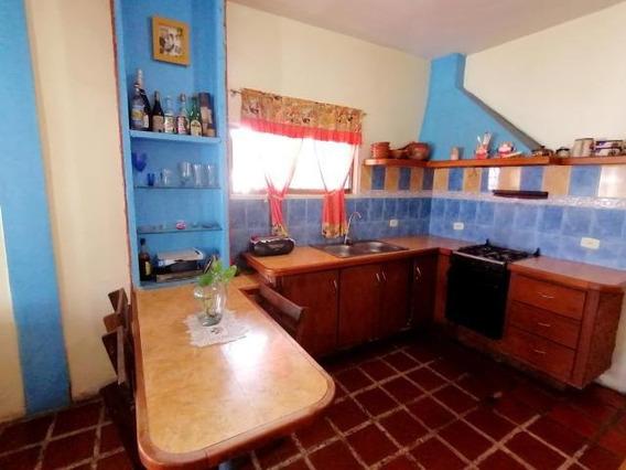 Casa En Venta Divina Pastora Cabudare 20-2680 Jcg