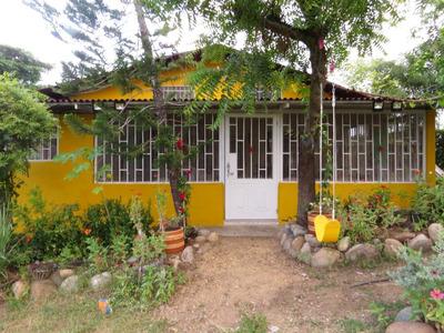 Casa 3 Habitaciones, Dos Baños, Sala Comedor, Cocina Integra