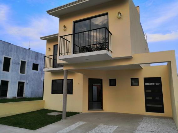 Se Vende Casa En Fraccionamiento Privado Residencial Yuliana Lll