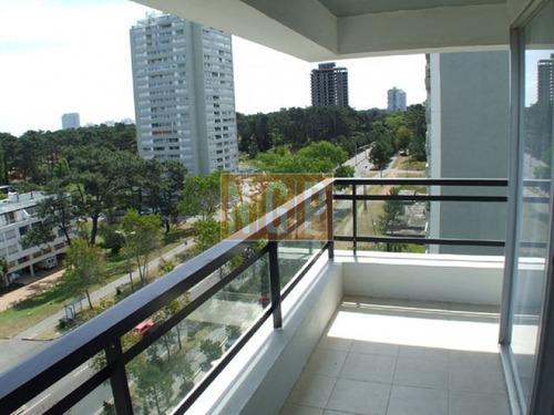 Excelente Apartamento Para Comprar  Y Pasar Comodas Vacaciones-ref:2845