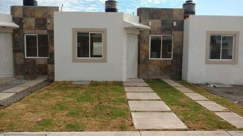 Se Vende Casa En Fraccionamiento Pergolas, Con Terreno Excedente
