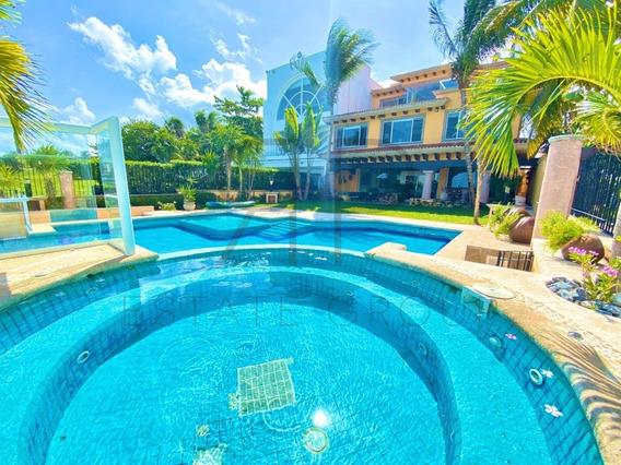 Casa En Venta En Cancún Frente Al Mar, Zona Hotelera.