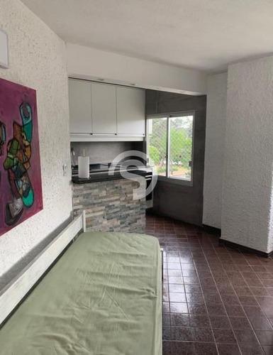 Apartamento Reciclado De  2 Dormitorios, Muy Luminoso!- Ref: 4599