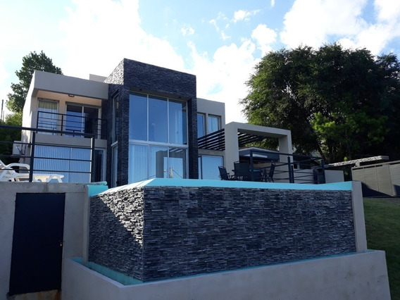 Liquido Hermosa Casa Villa Del Lago Con Vista Al Lago