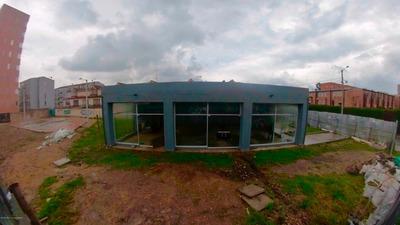 Local En Venta En La Campiña, Kennedy Mls 19-858 Lr