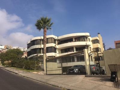 Departamento En Venta De 5 Dormitorios En Antofagasta