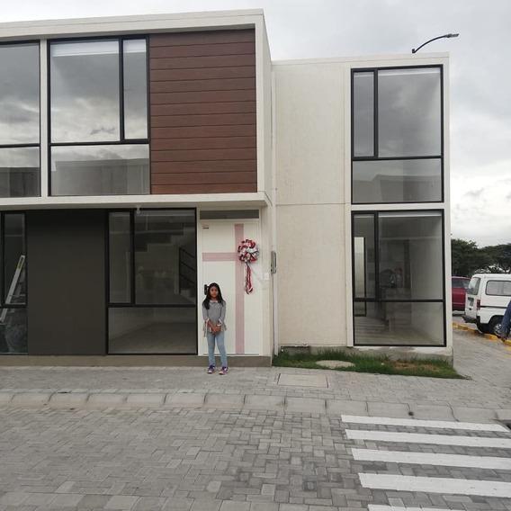 Hermosa Casa De 2 Pisos, Nueva, Sector Pomasqui