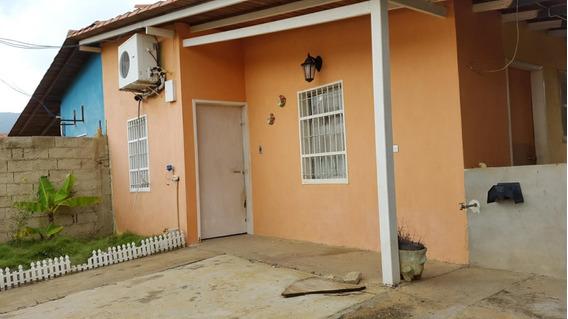 En Venta Casa Lista Para Habitar, De 3 Hab.