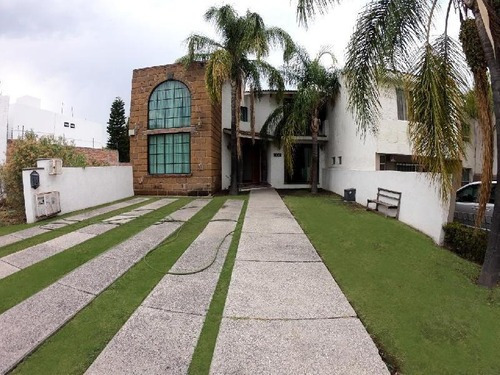 Casa Amueblada En Renta Al Mejor Precio En Cumbres Del Lago Juriquilla