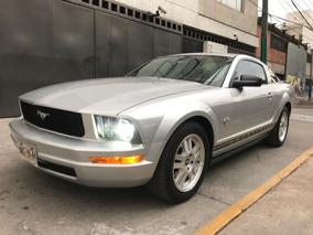 Ford Mustang Lujo V6 Mt