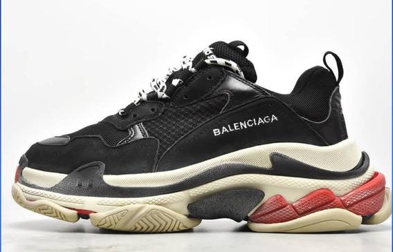 Tênis Balenciaga Triple S