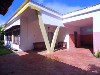 Ótima Casa Com 250m² De Área Construída, Localização Privilegiada! - A4851