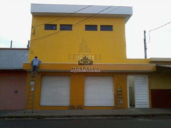 Salão Em Jaboticabal Bairro Ferreira - A482000