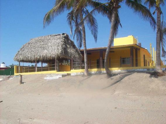 Casa Amarilla Playa Grande Arroyo Seco, Jalisco 567.15 M2