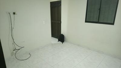 Apartamento En Arriendo Manrique Central 447-7105