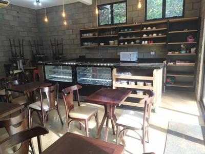 Vendo Equipamentos E Mobílias Para Restaurante E Café.