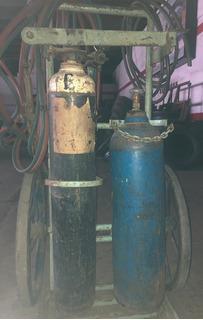Soldadora Autógena Con Tubo De Acetileno Y Oxigeno