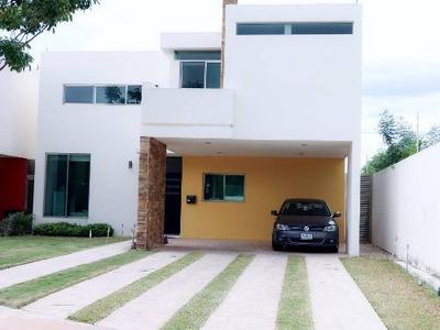 Venta De Casa Residencial En Fraccionamiento Paseo Del Ángel, Cholul