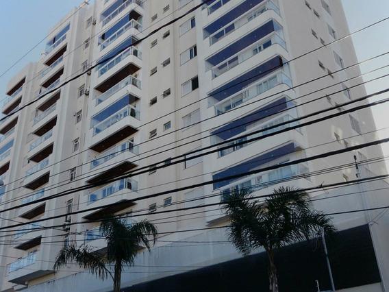 Apartamento No Bairro Barreiros Em São José - Labr696