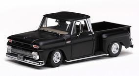 1965 Chevrolet Pickup C-10 Low Rider Preto - 1:18 - Sun Star