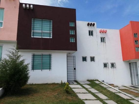 Hermosa Casa Nueva.